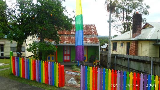 Rainbow Cafe: Lovely RAINBOW COTTAGE! 🌈