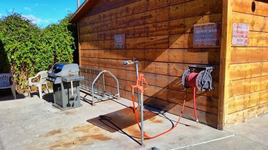 bbq bike wash station picture of red stone inn moab. Black Bedroom Furniture Sets. Home Design Ideas