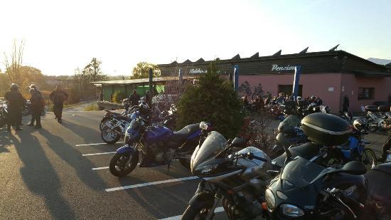 Motobar u Hanky