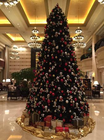 the st regis beijing the beautiful panda bear christmas tree - Bear Christmas Tree