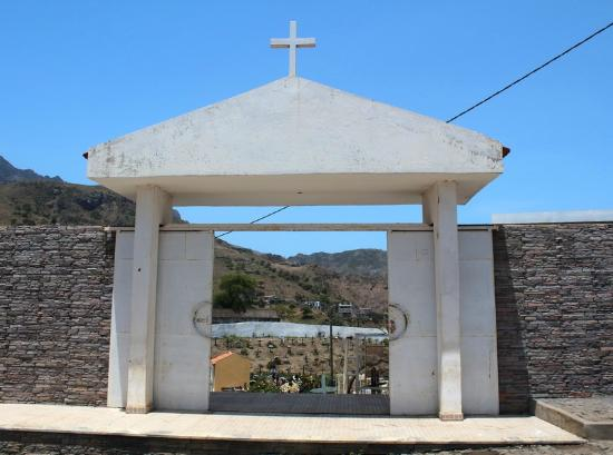 Assomada, الرأس الأخضر: Кладбище при церкви