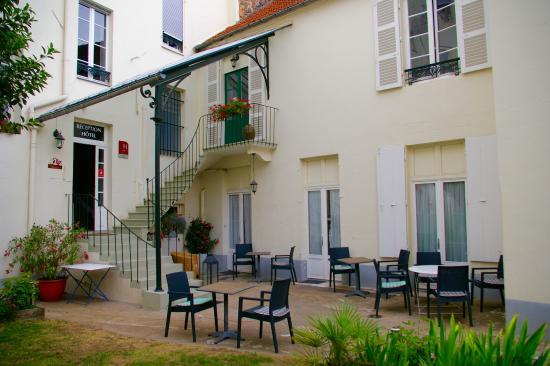 Hotel de Naples: Lekker buiten ontbijten!