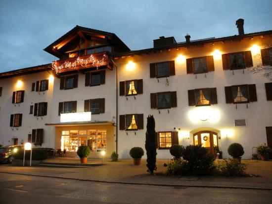 Stra enseite hotel neuer bild von hotel neuer am see for Chiemsee design hotel