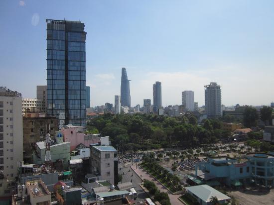 Asian Ruby Park View Hotel: ビテクスコ・フィナンシャルタワーを望む