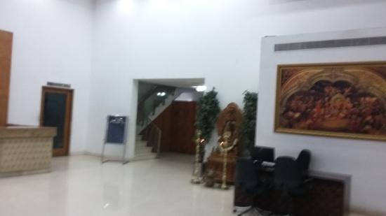 Hotel Mark's Grandeur: Lobby