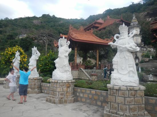 An Giang Province, Vietnam: 四天王?
