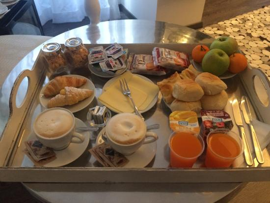 Town House Fontana Di Trevi: Breakfast