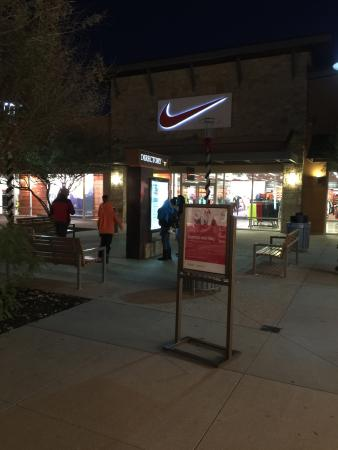 round rock outlet mall oakley store