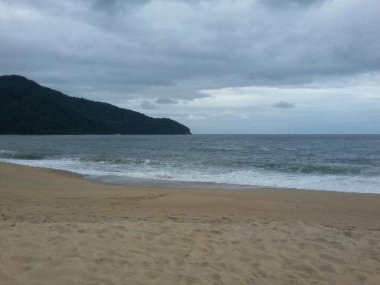 Braganca, PA : Perfeita! Mar calmo e a praia é bem limpa! Recomendo!