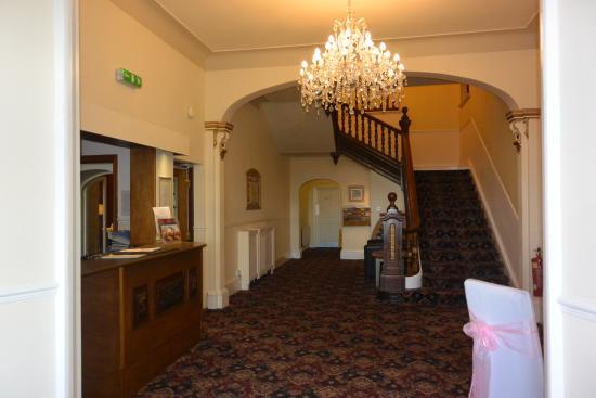 Pentre Halkyn, UK: Reception area