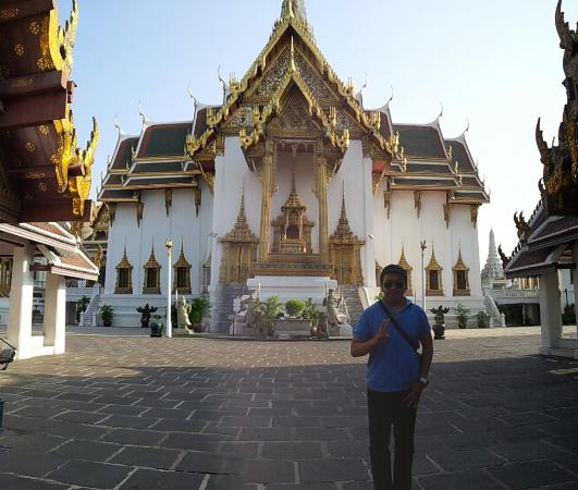 Wat Benchamabophit (Kuil Marble) - Picture of Wat Benchamabophit (The Marble ...
