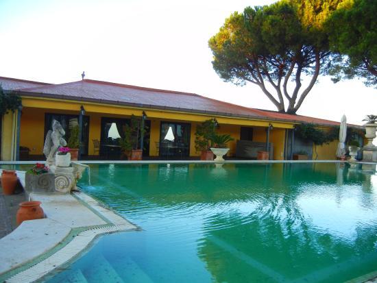 Grand Hotel Helio Cabala : the pool