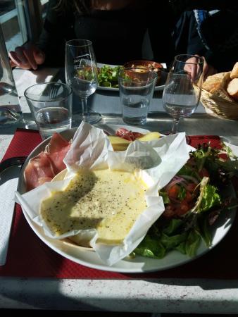 Saint-Trinit, France : assiette montagnarde