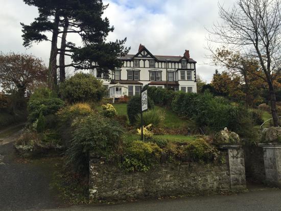 Glan Heulog Guest House