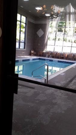 Comfort Suites: indoor pool
