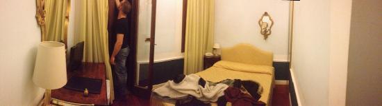 Pantalon Hotel: photo1.jpg