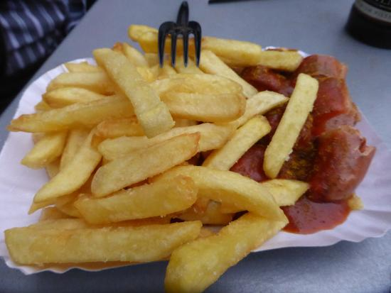 Wursterei: delicious fries with the curry wurst