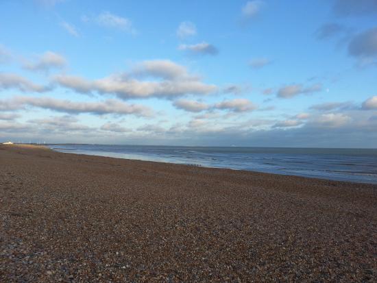 Winchelsea, UK: More pebbles