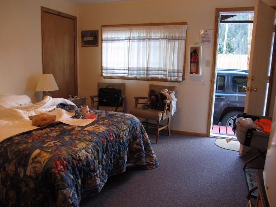 Deer Lodge Red River: the bedroom