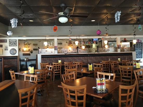Savory Restaurant: Inside