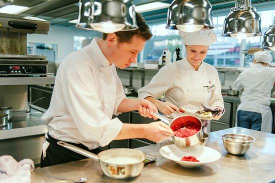 Skotel Amsterdam: Kitchen - students