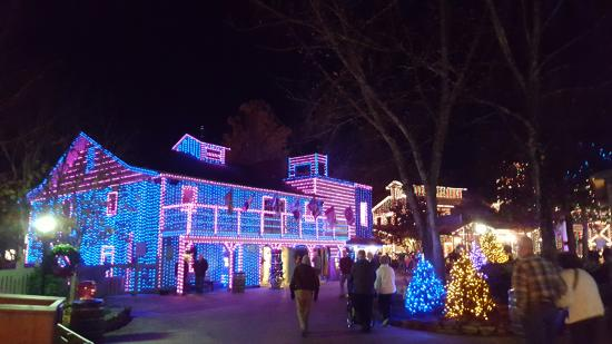 Dollywood Travel Agent Rate