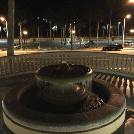 The Waterfront Beach Resort, A Hilton Hotel: photo1.jpg