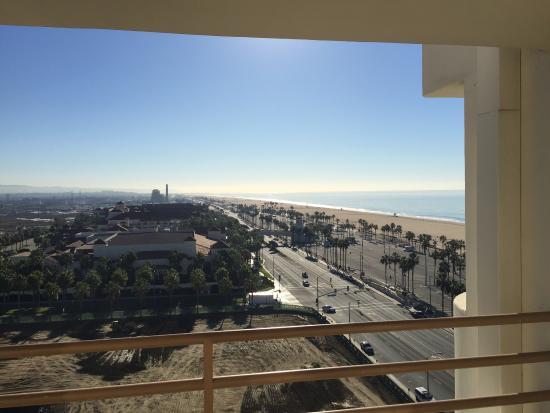 The Waterfront Beach Resort, A Hilton Hotel: photo2.jpg