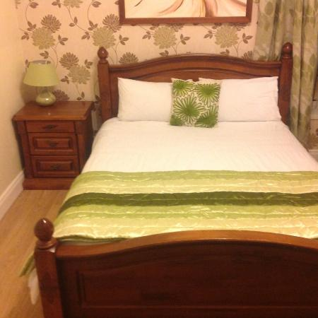 Rose Park House Bed and Breakfast: this is one of the bedrooms