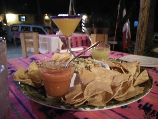 Тодос-Сантос, Мексика: Guac and marg
