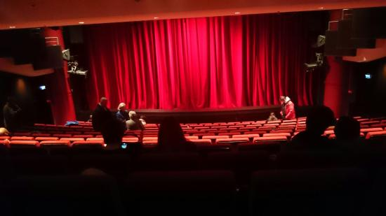 English Theatre: DSC_0190_large.jpg