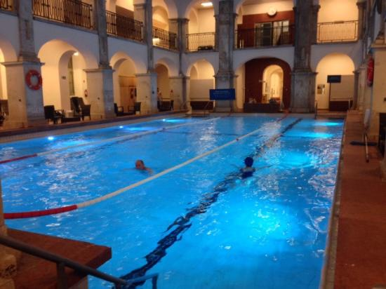 Bagni Termali Di Rudas Budapest : Piscina bagno termale rudas foto di rudas baths budapest