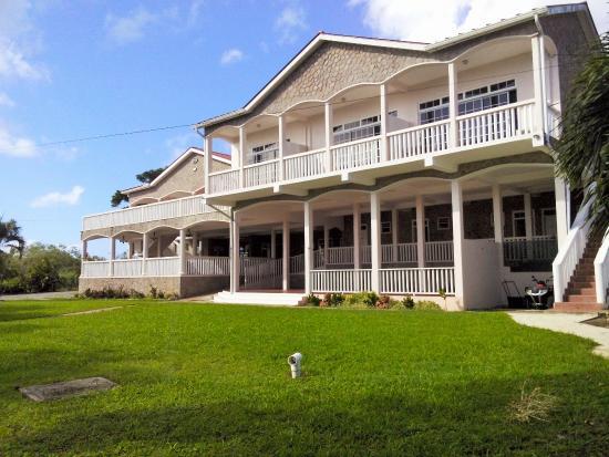 L'Escape Restaurant & Guest House