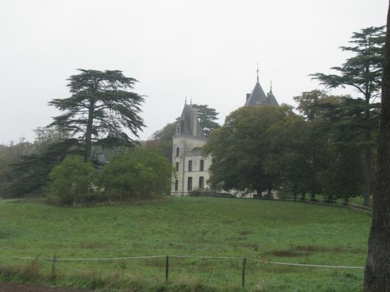 Ternay, Francia: view from entance gate
