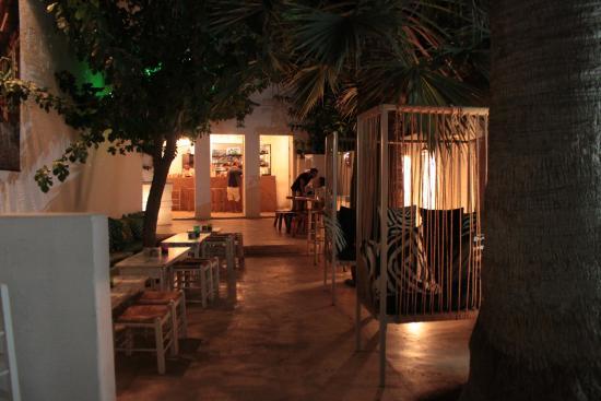 Boogaloo Cocktail Bar