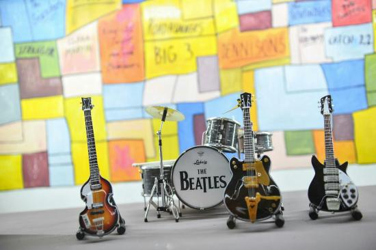 ‪Egri Road Beatles Museum‬