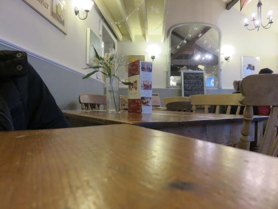 Sanders Yard Restaurant: Table View