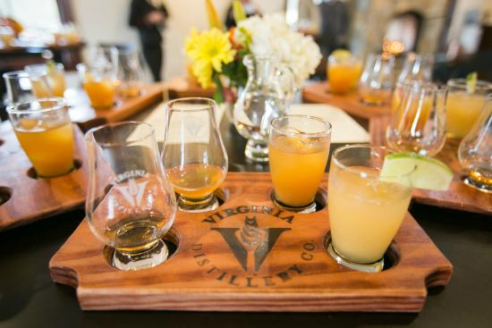 Lovingston, Βιρτζίνια: Tasting flight at Virginia Distillery Company