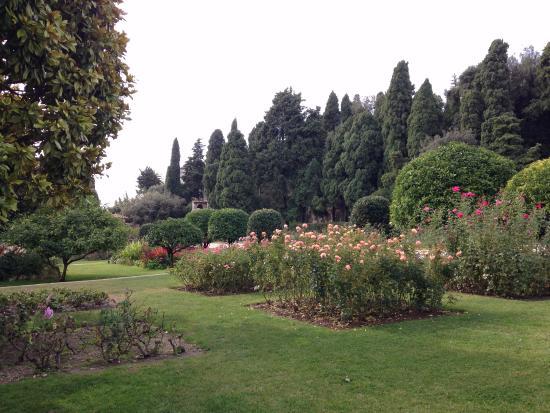 Puerta al jard n del monasterio picture of jardin du for Jardin nice