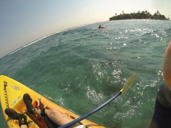 Long Caye Resort: surf kayak