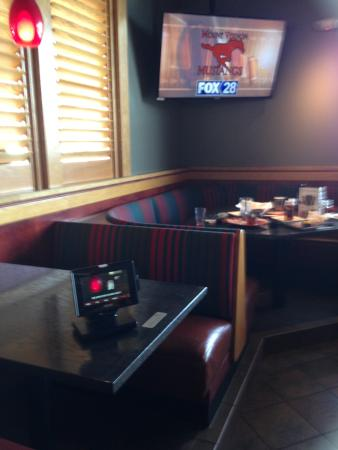Photo of American Restaurant Red Robin Gourmet Burgers at 4625 1st Ave Se, Cedar Rapids, IA 52402, United States