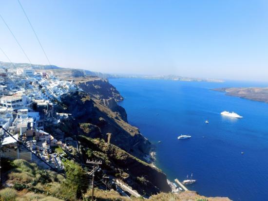 سانتوريني, اليونان: View of Fira while heading to Oia, Santorini