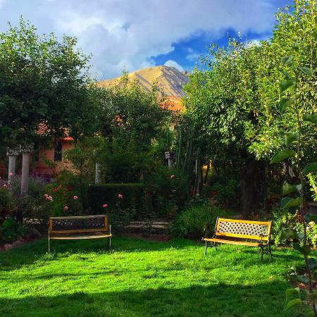 La Casona de San Jeronimo - Hotel Boutique: Great place to read and relax in the garden surrounded by birds and butterflies