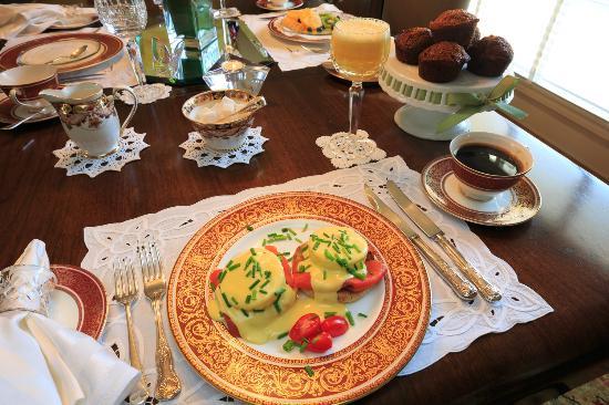 Shangarry Bed and Breakfast: Eggs Salmon Benedict Breakfast