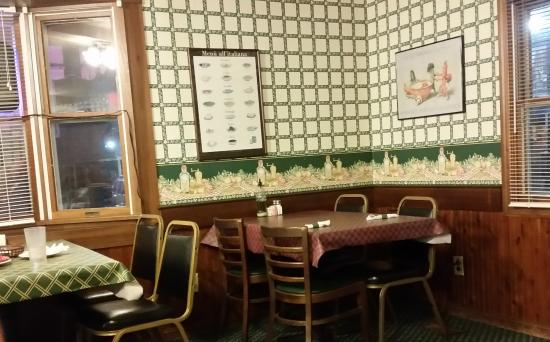 Columbiana, OH: Inside Paul's