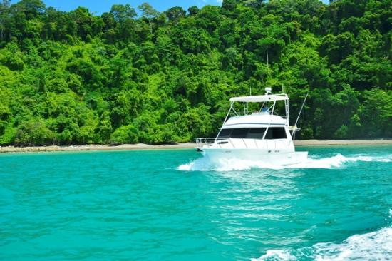 Coral Yacht Adventures - Day Tours