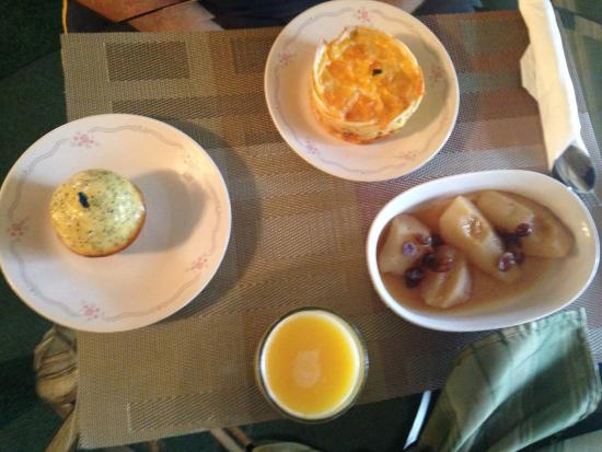 Evening Shade Inn Bed and Breakfast: Breakfast!