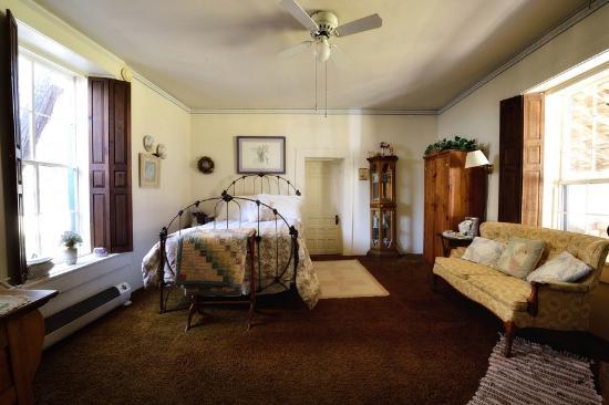 Lincoln, Nuevo Mexico: Fronie's Room