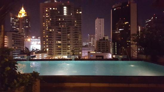 Admiral Premier Bangkok: The pool and view