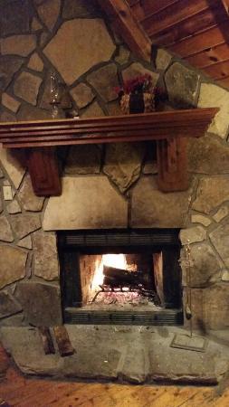 Whisperwood Farm B&B, Creekwalk Inn and Honeymoon Cabins : 20151118_204959_large.jpg